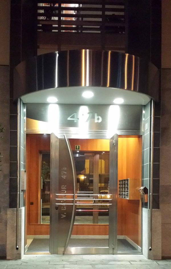 via-cavour-ingresso-residenziale-in-acciaio-inox